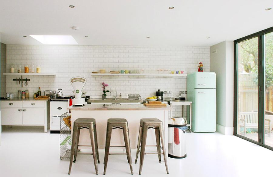 kitchen-colorful-smeg-fridge-ideas