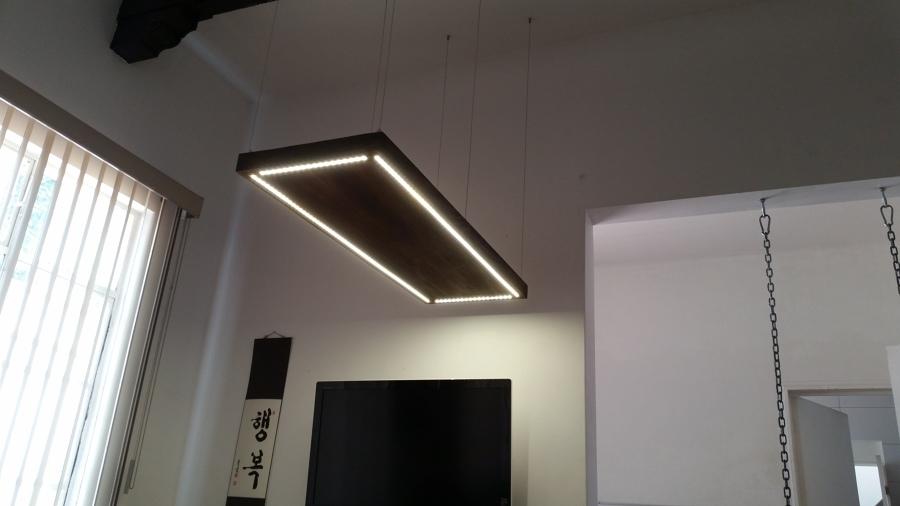 Lámpara colgante con iluminación de leds