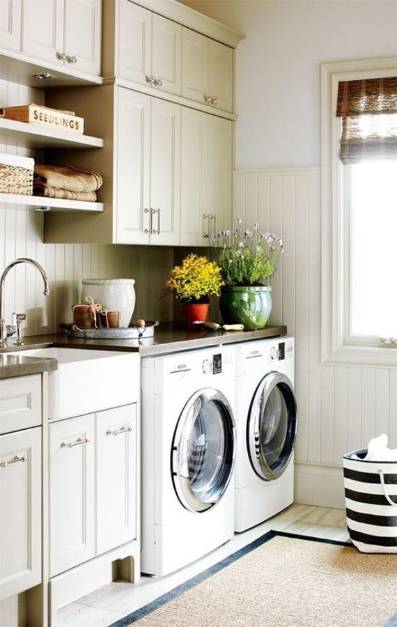 Lavadora y secadora a la vista en la cocina