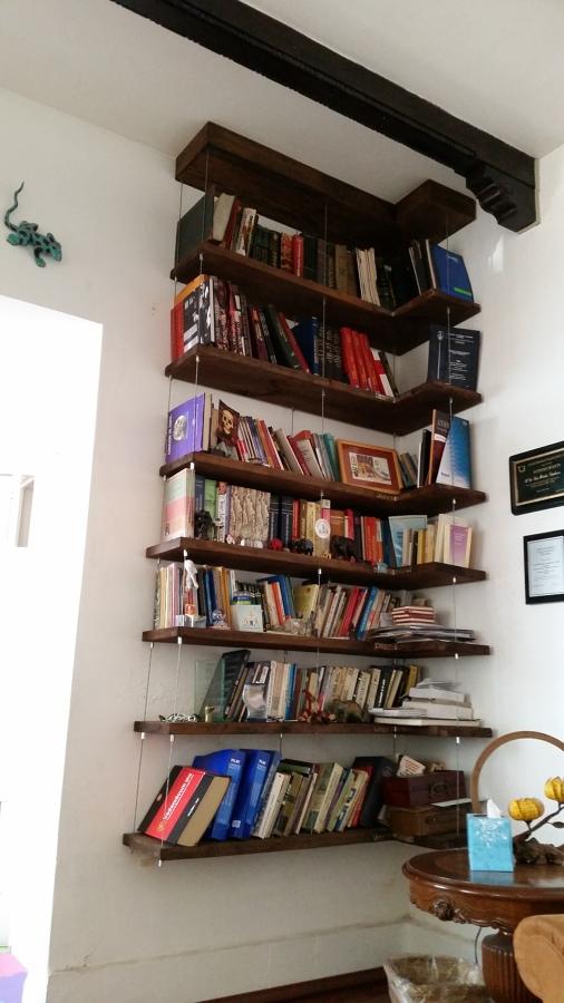Librero colgante