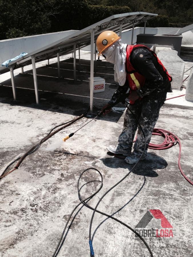Limpieza de la superficie con hidrolavadora