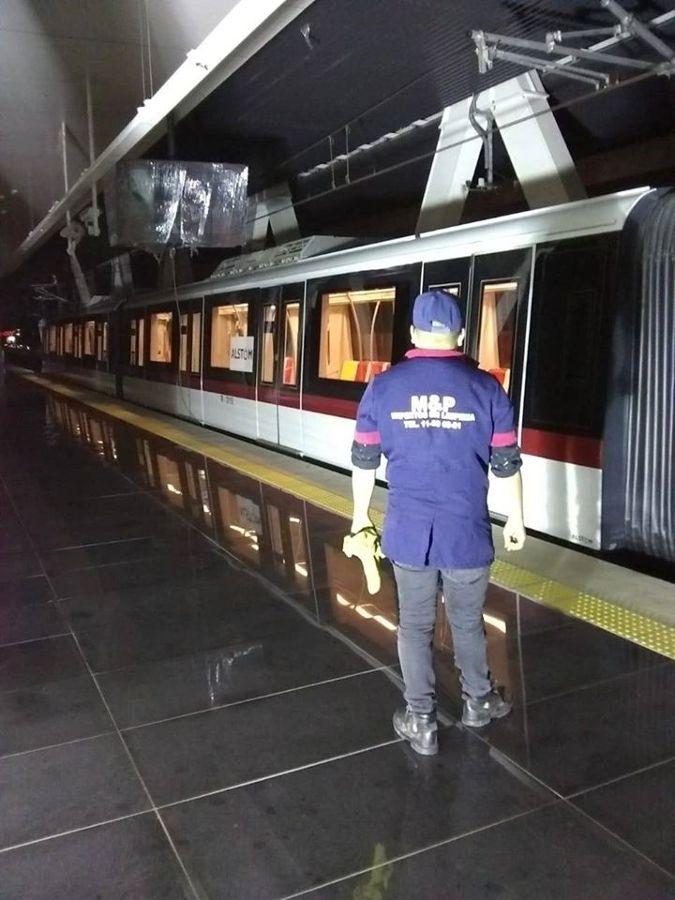 Limpieza Extrema Estaciones de Tren Ligero en Guadalajara