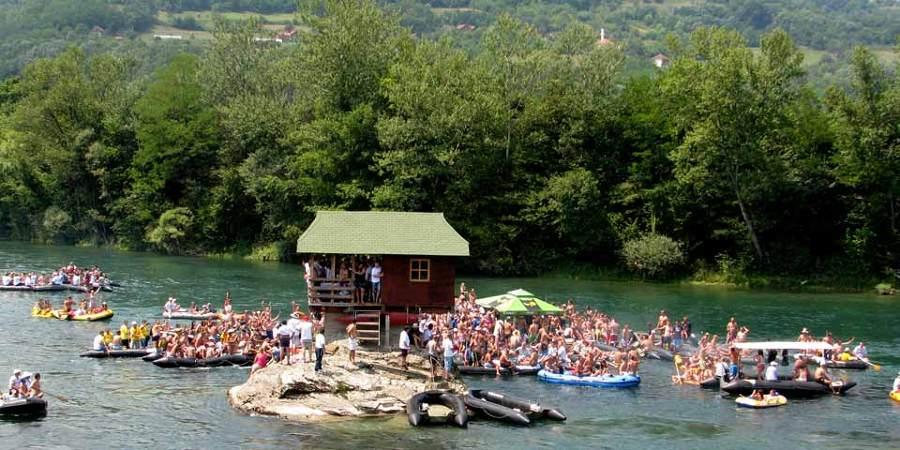 little_house_river