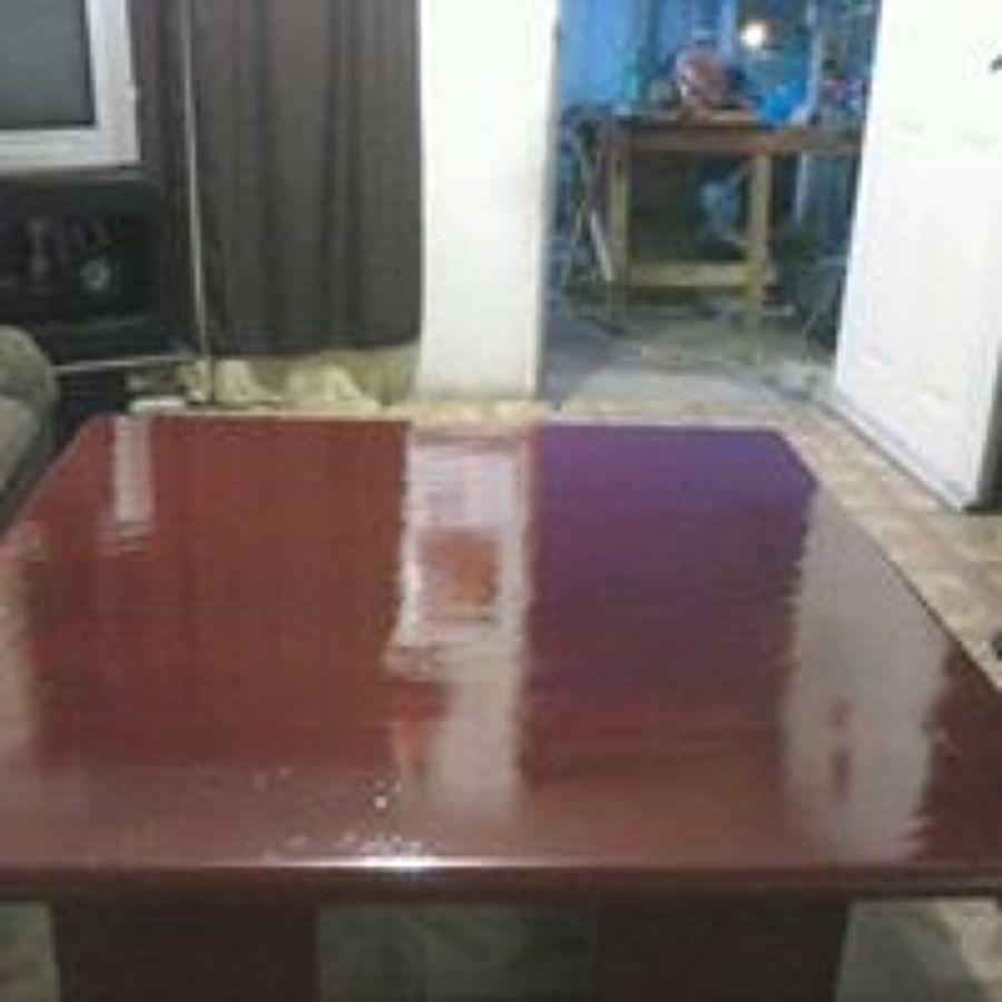 mesa de centro en color maple