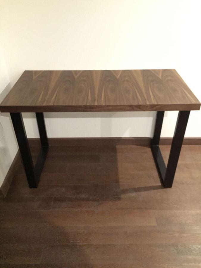 Interiores bosques ideas remodelaci n casa for Dimensiones de una mesa de trabajo