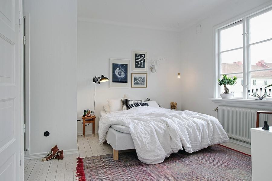 minimalist-white-bedroom-with-bonsai-window-decoration-ideas