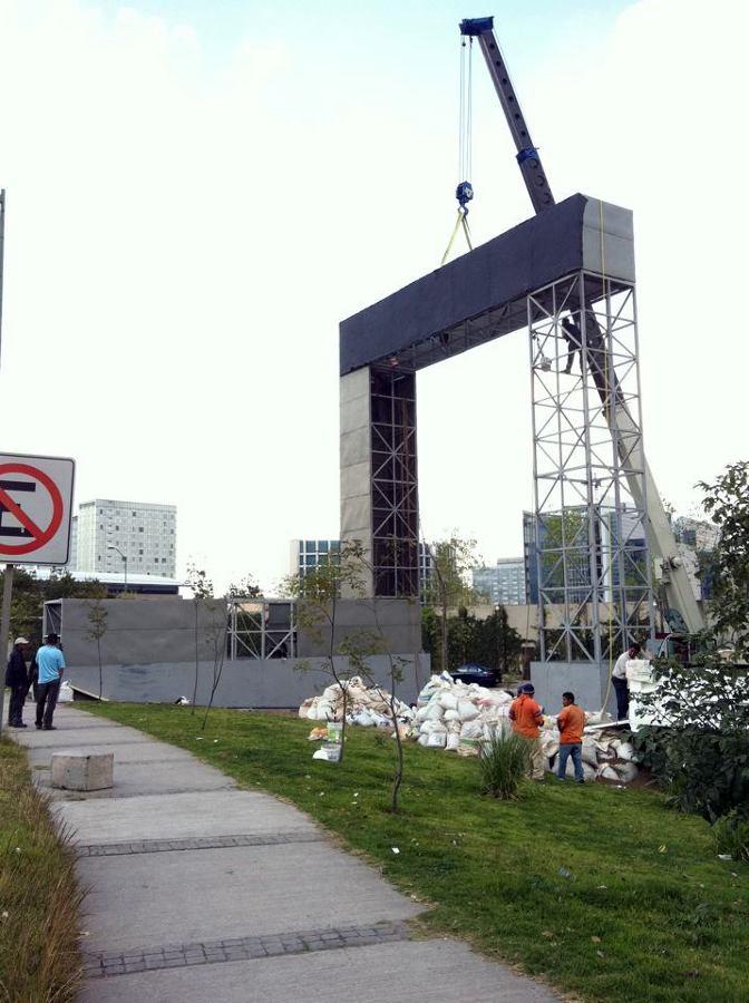 Foto montaje de estructura para jard n vertical de - Estructura jardin vertical ...