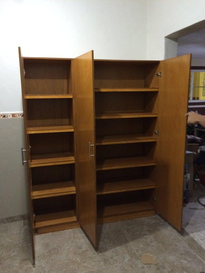 Foto mueble despensa de closets y vestidores 184011 for Muebles de cocina despensa