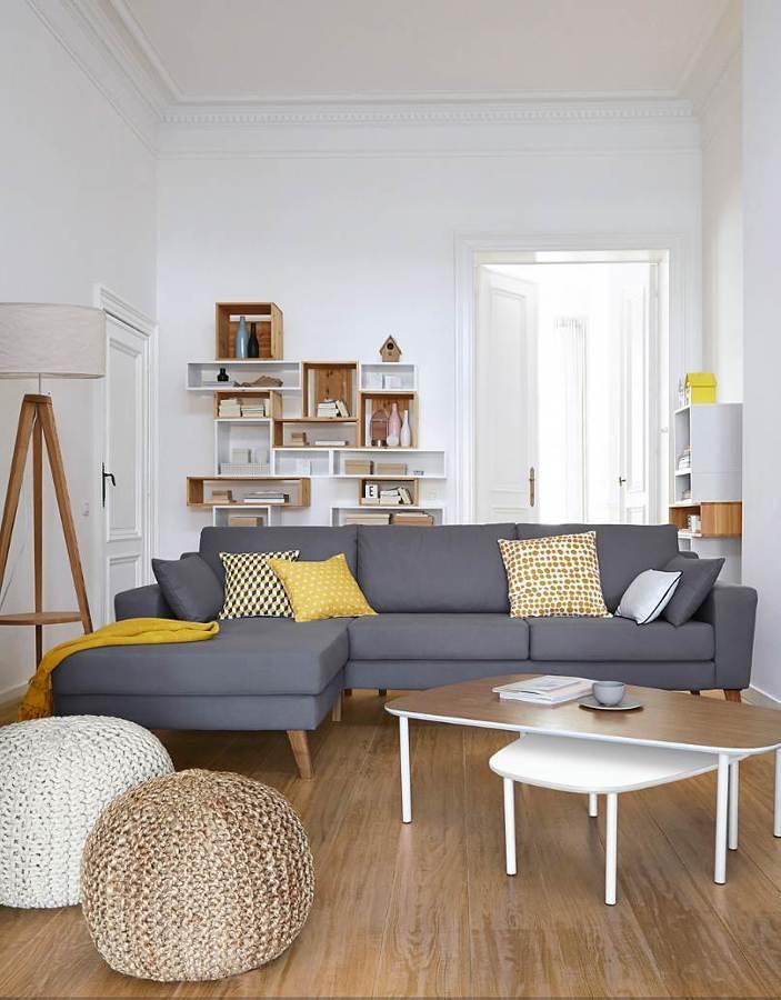 Sala con sillón azul