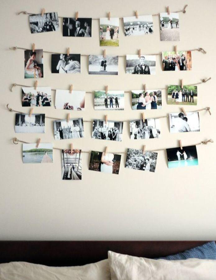Pared con fotografías de recuerdos colgadas
