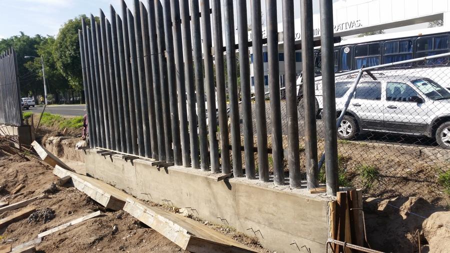 muro con herreria
