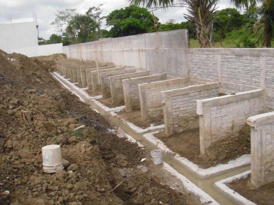Foto muros de contenci n de block macizo y concreto for Muro de concreto armado