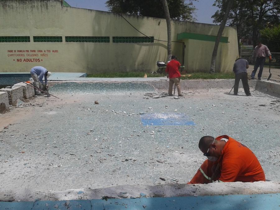 Foto de piscinas del sureste 155247 habitissimo for Construccion de piscinas en mexico