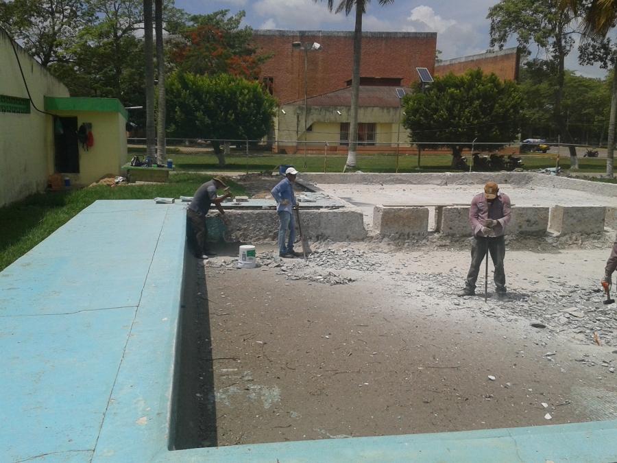 Foto de piscinas del sureste 155256 habitissimo for Construccion de piscinas en mexico