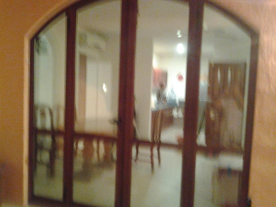 Nueva puerta sala instalada