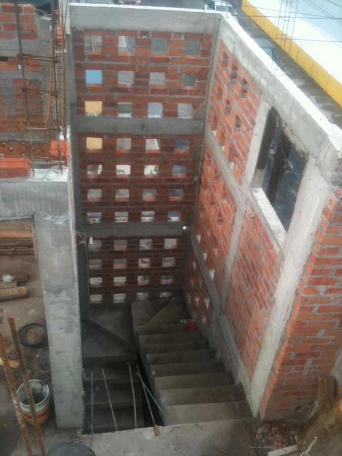 Foto obra negra en escaleras de construcciones residenciales 277150 habitissimo - Escaleras de obra ...