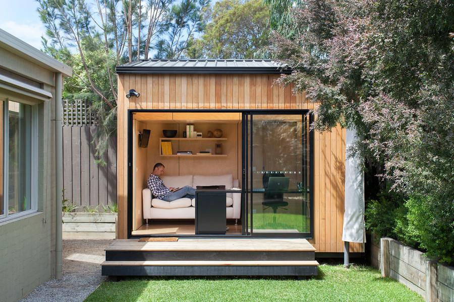 Oficina situada en el jardín