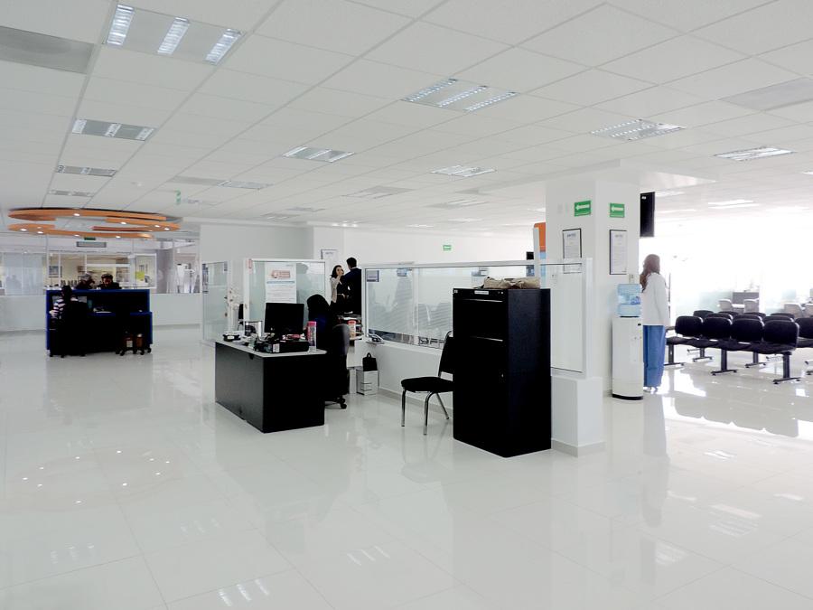 Remodelaci n oficinas atenci n ideas remodelaci n oficina for Remodelacion oficinas