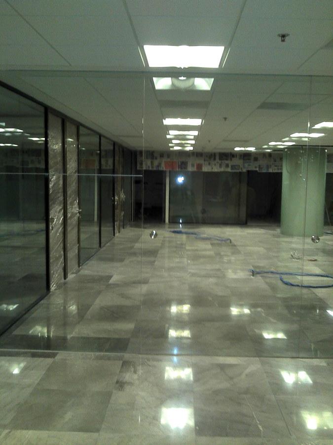 Oficinas ideas remodelaci n oficina for Remodelacion oficinas