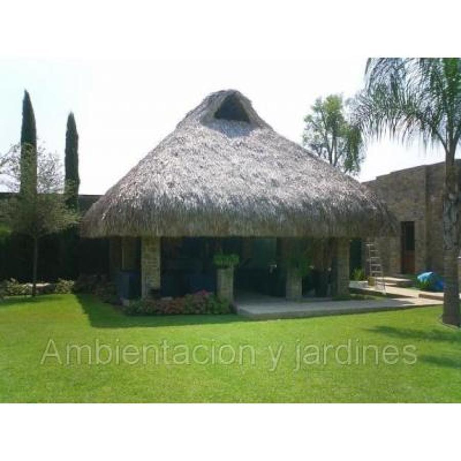 Foto palapas tejida a mano con cocoyo de jardineria for Jardineros en xochimilco