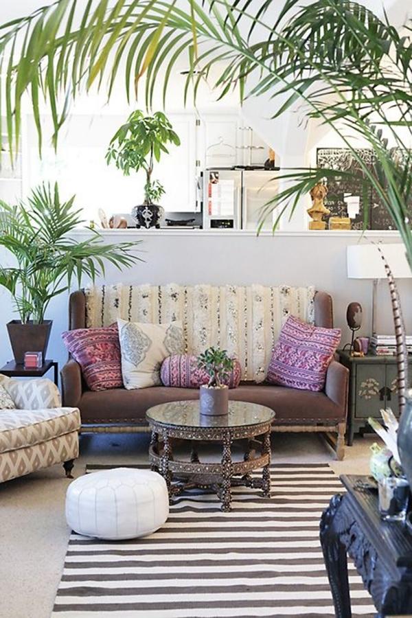 Casa decorada con palmas areca