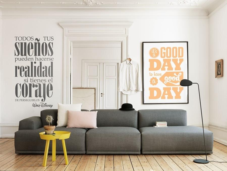 Foto pared de la sala decorada con vinil 231239 for Paredes decoradas con fotos