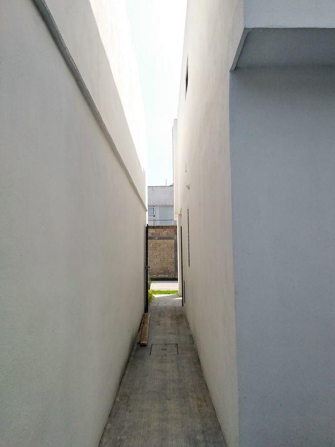Pasillo lateral