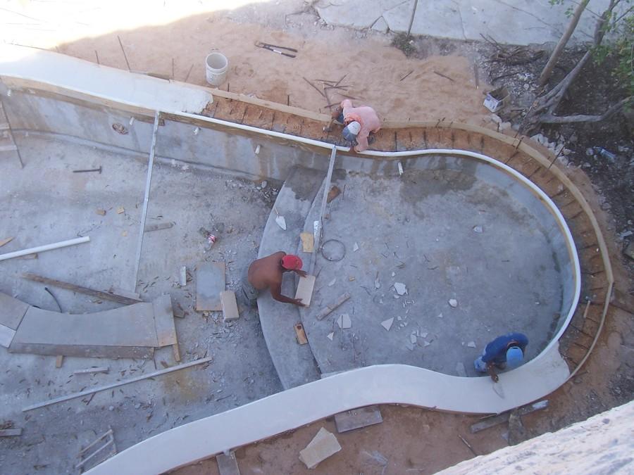 Perimetro de cemento blanco