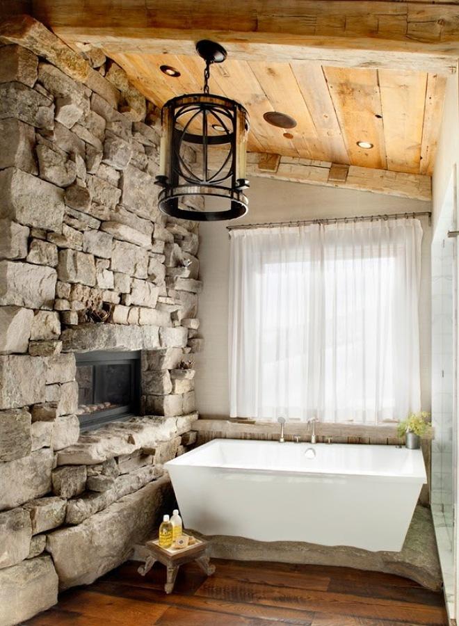 Baño con piedra y madera