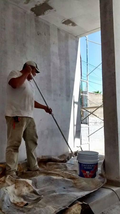 Pintando interior de la casa