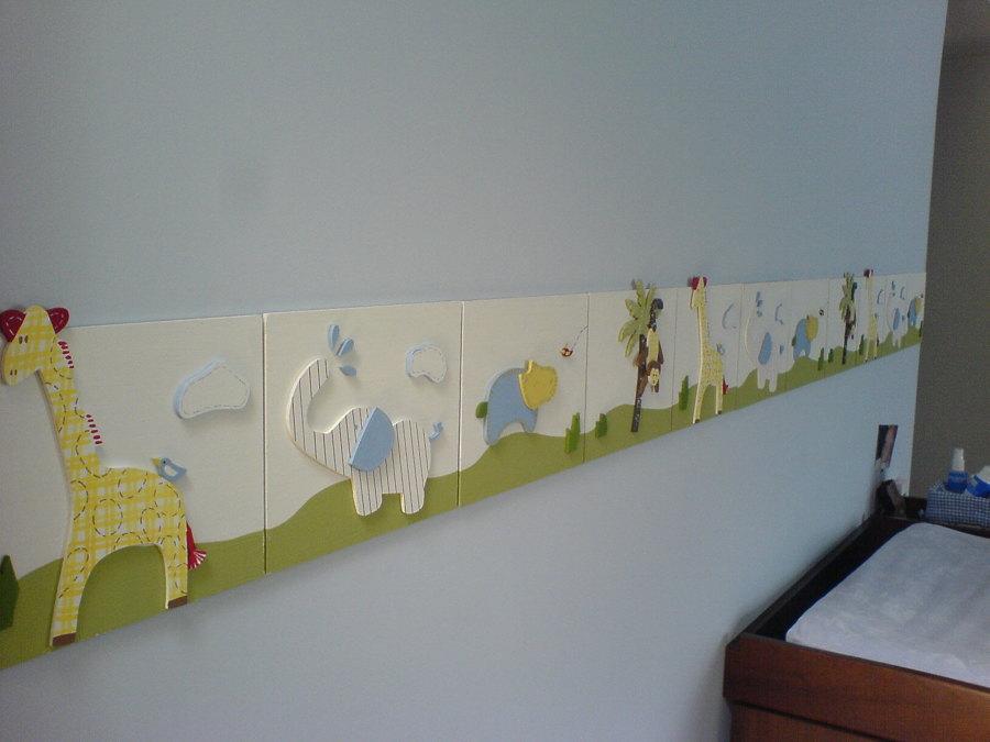 Pintura en cuarto para niño y molduras en madera