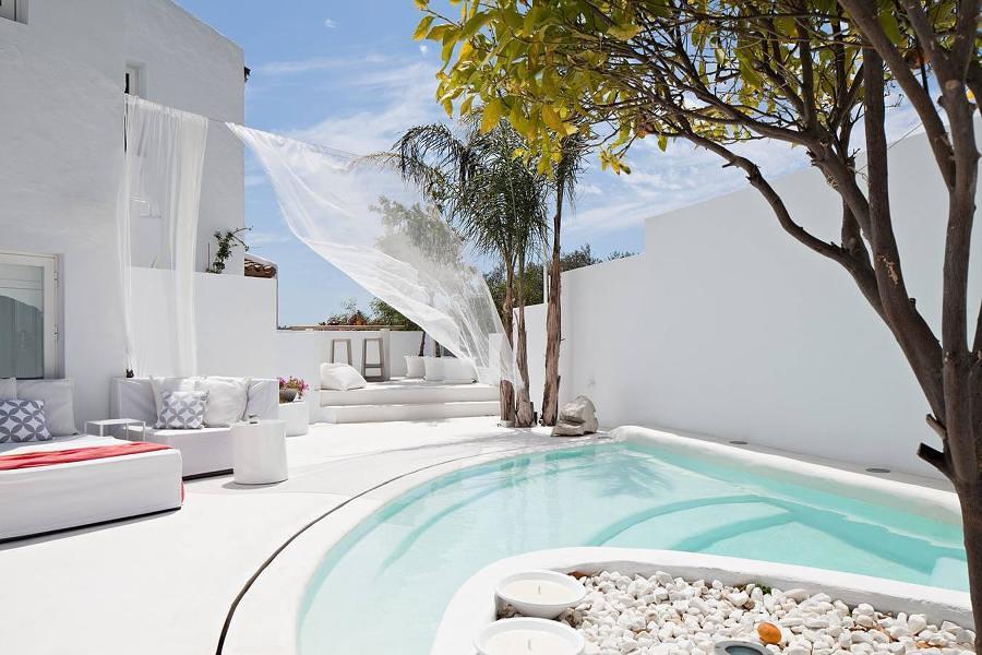 Microcemento en la terraza 5 ideas para introducirlo sin for Construccion de albercas pequenas