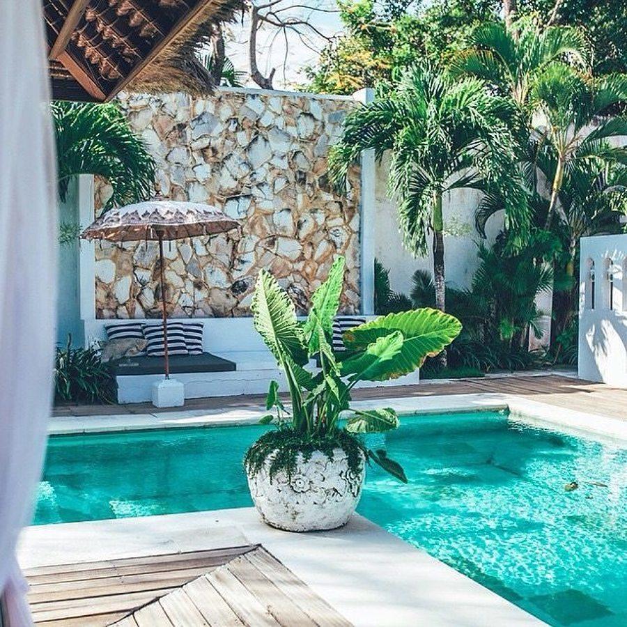Foto alberca peque a en forma de l 258977 habitissimo for Ideas para decorar piscinas