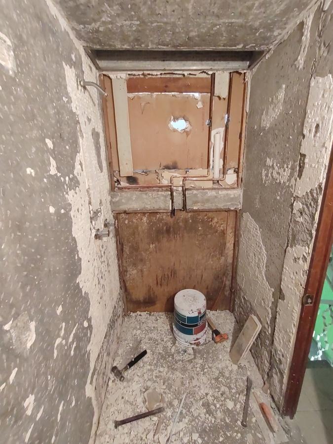 Plomería y preparación de muros
