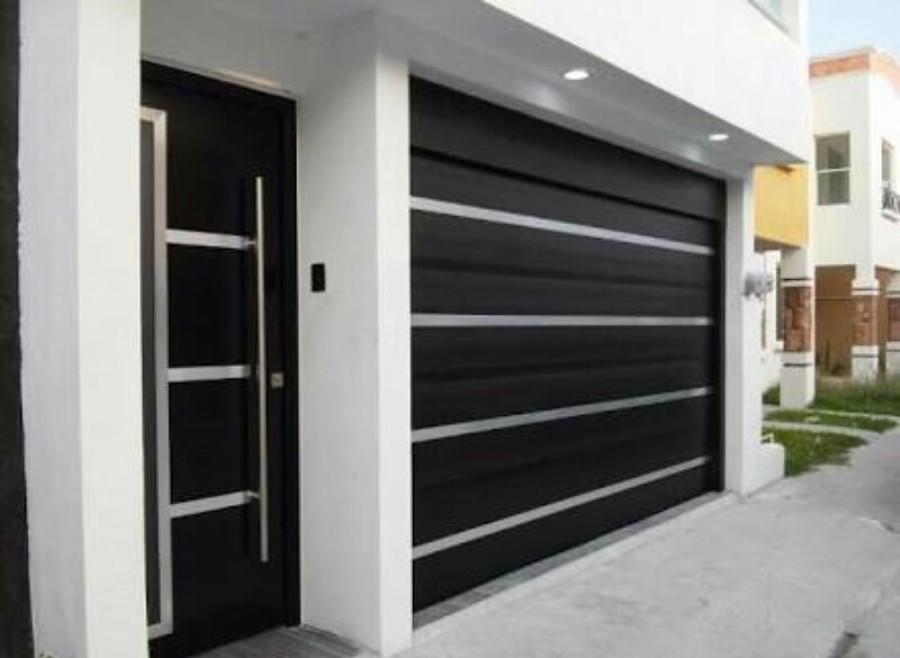 Foto portones residenciales de grupo payca 264599 for Modelos de puertas minimalistas