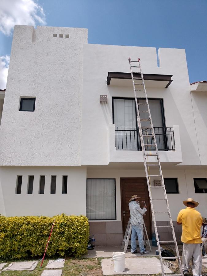 Proceso de los trabajos de pintura en fachada