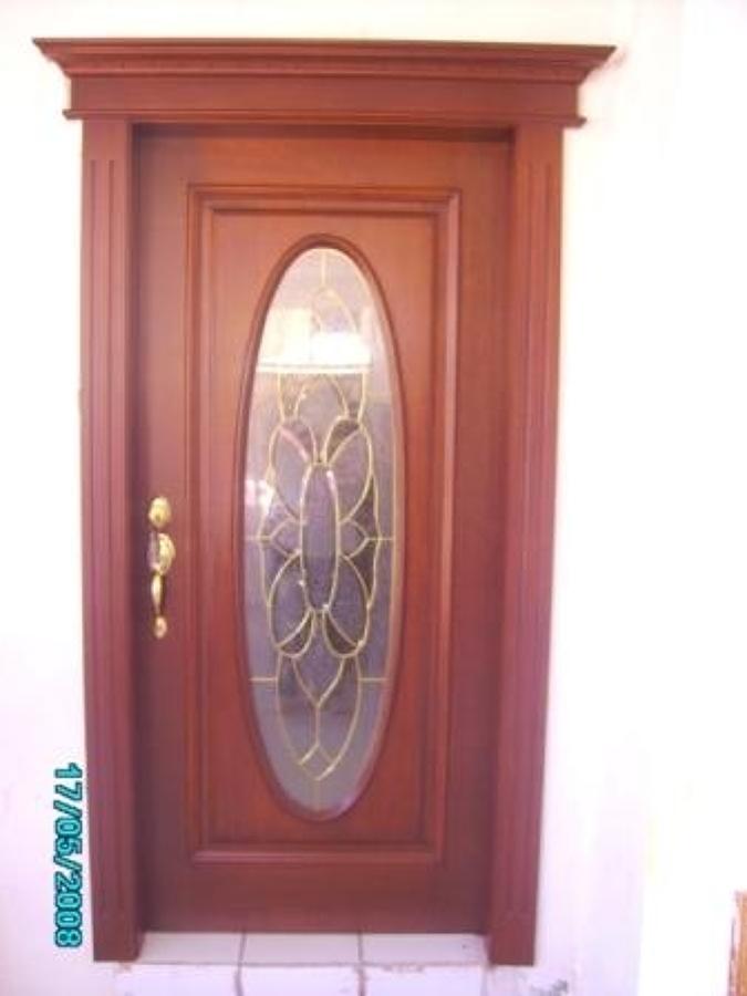 Foto: puerta con vitral de madera de muebles finos granados ...