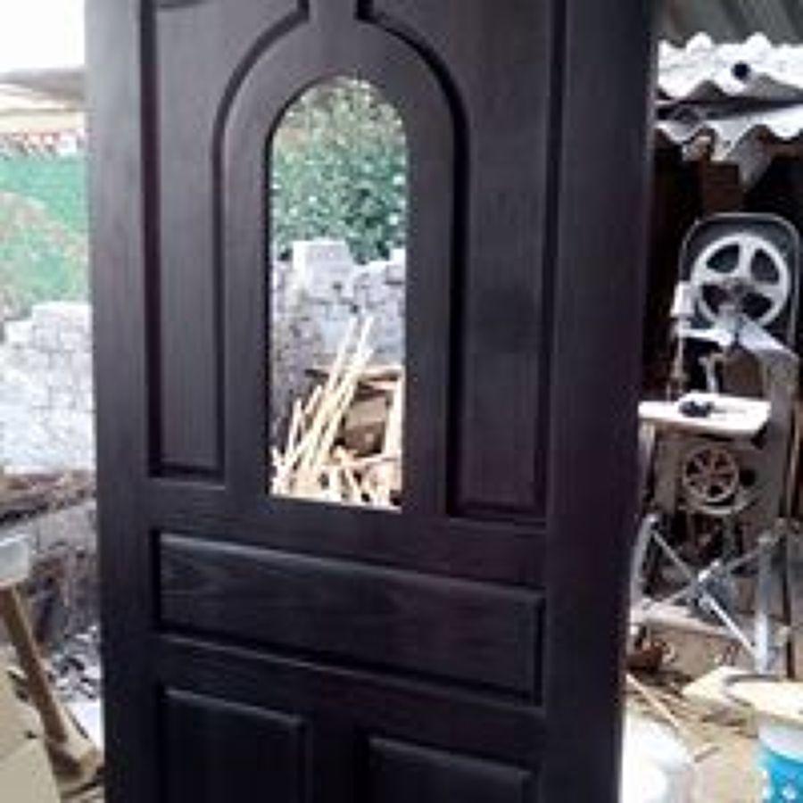 puerta en tablerado de encino