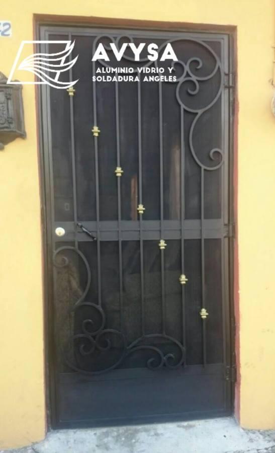 Foto Puerta Mosquitera Con Forja De Avysa 210392