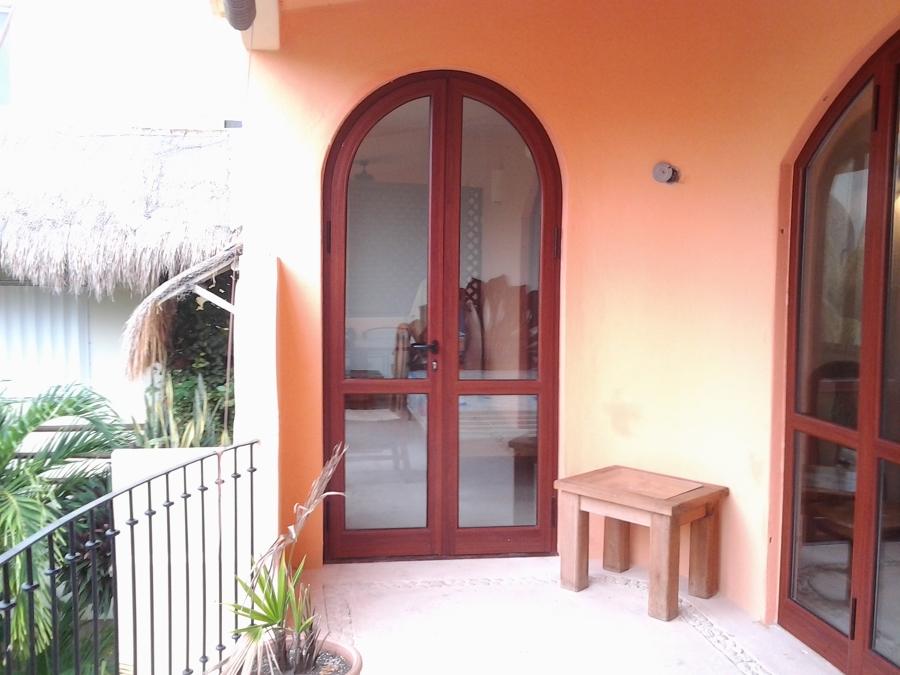 Foto puerta nueva rec mara de aluminios de quintana roo for Puertas para recamara economicas