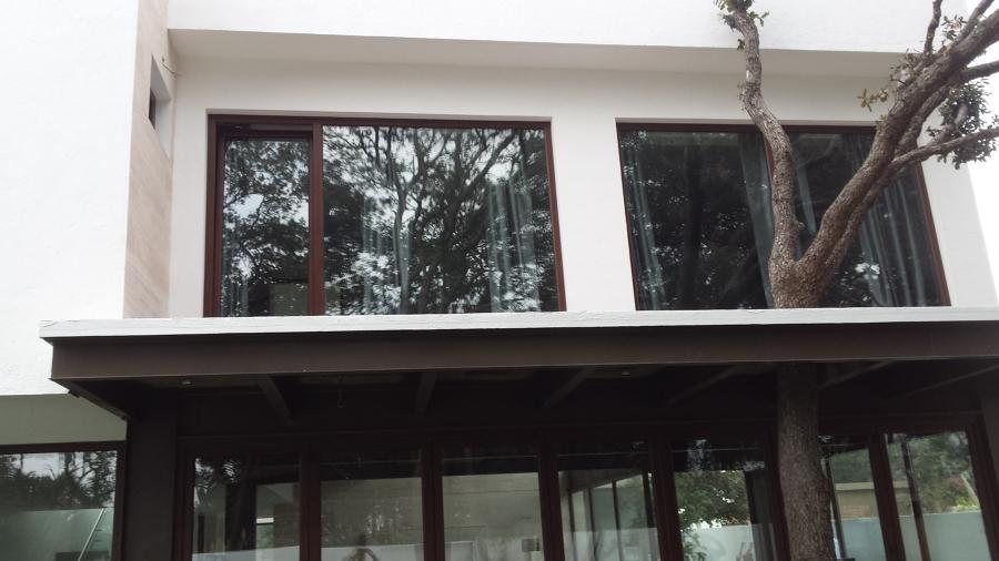 Ventanas de pvc ideas canceler a pvc for Puerta oscilobatiente
