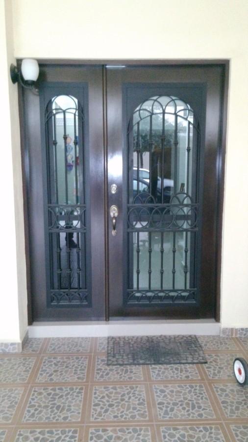 Puerta Principal de Forja