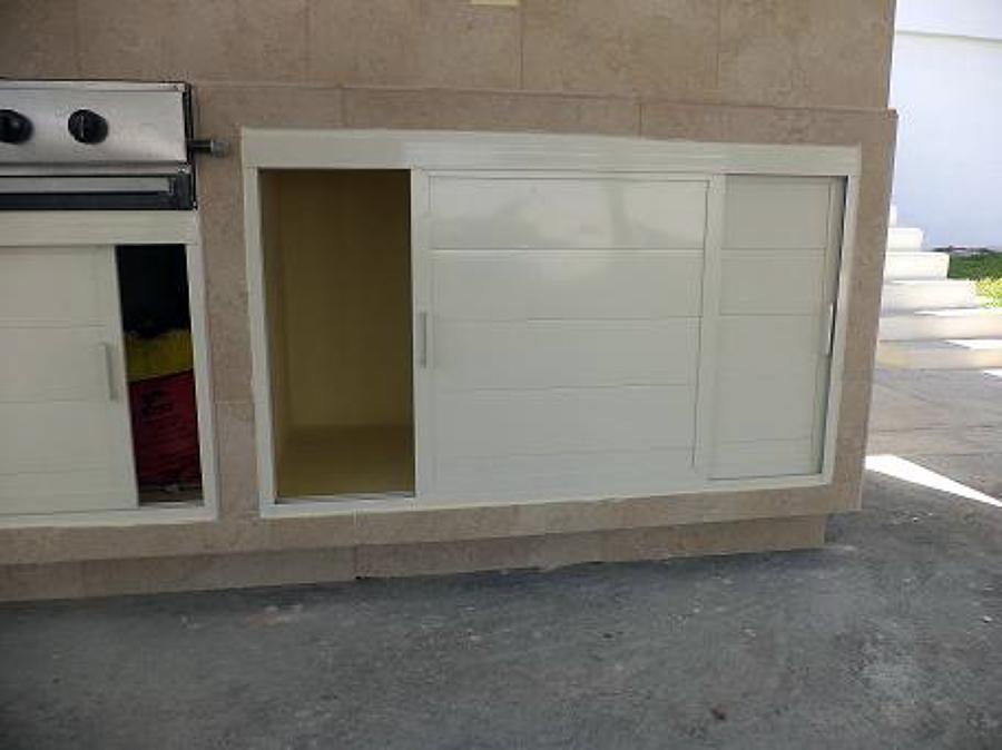 Foto puertas corrediza de alacena de fachavent 32527 for Puerta corrediza aluminio