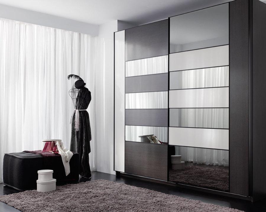 Puertas de closet con espejo y melamina
