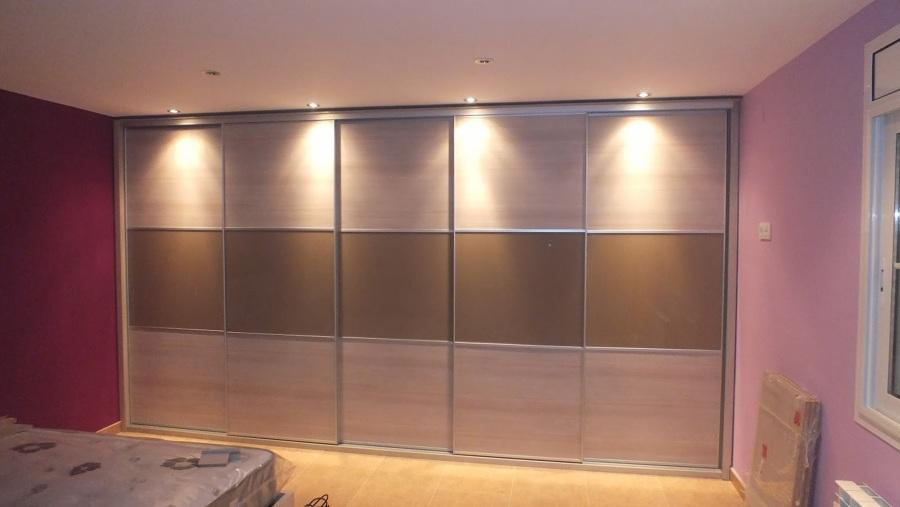 Puertas de closet con melamina y vidrio de color