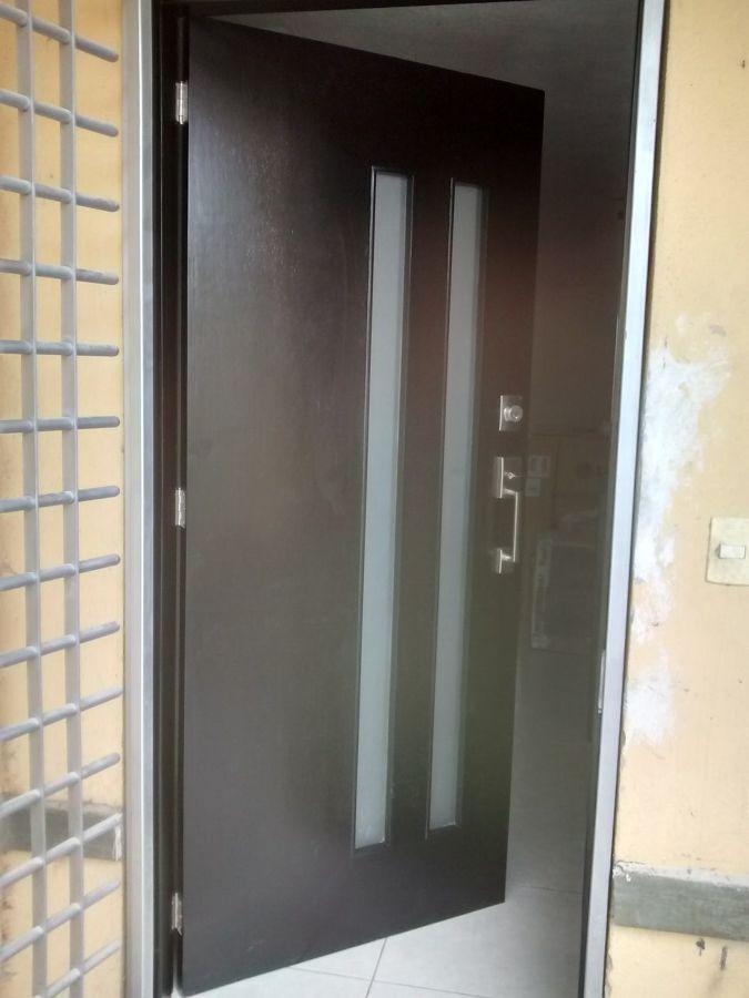 Foto puertas de entrada diferentes dise os de blue aim for Puertas diferentes