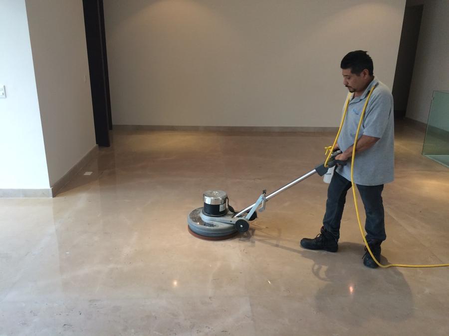 Pulido de piso de Marmol