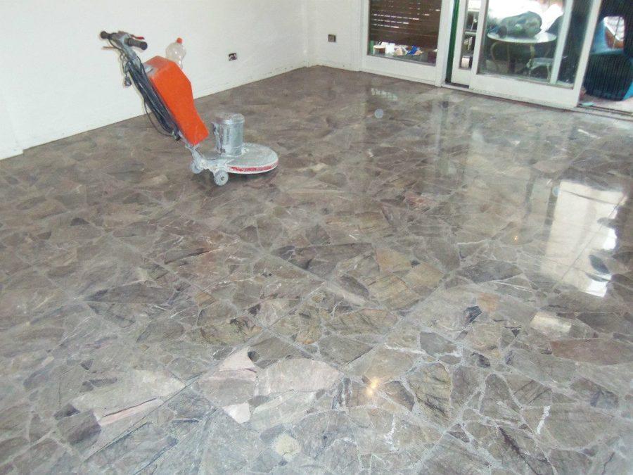 Foto pulido de pisos loseta vinil pintura epoxica de for Piso hormigon pulido