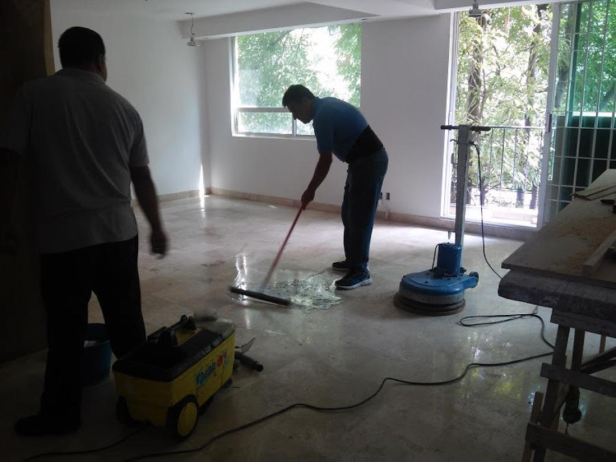 Foto pulido pisos de marmol de castillo constructores for Pulido de pisos de marmol