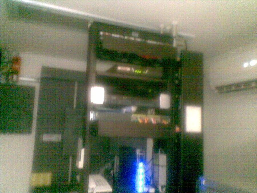 rack de datos en cuarto IDF